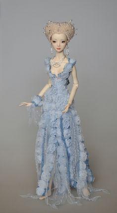 commission dress