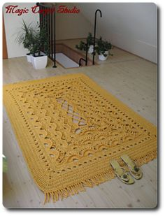 Sunshine Carpet - free crochet pattern in English and Polish by Magic Carpet Studio.