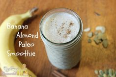 Paleo smoothie Banana Almond