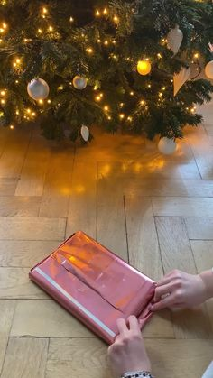 ✓ regali a partire da 5€ ✈ consegna rapida ✓ acquisti. 85 Regali Di Natale Ideas Gift Wrapping Gifts Wrapping Diy Christmas Crafts To Make And Sell