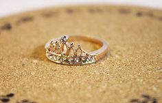 Fashion Golden Rhinestone Crown Zircon Ring