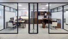 Studio BV Designs New Knoll Showroom in Minneapolis as Modern Office Open Office Design, Industrial Office Design, Cool Office Space, Office Interior Design, The Office, Office Designs, Office Spaces, Corporate Interiors, Office Interiors