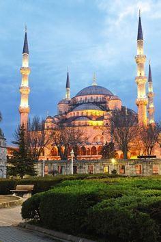 イスタンブール(Istanbul)                                                       …