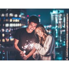 "72.6 mil Me gusta, 707 comentarios - Brandon Woelfel (@brandonwoelfel) en Instagram: ""Keep me where the light is @laurdiy x @alexwassabi  Thank you guys so much for 900k, means so much…"""