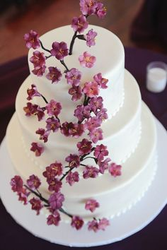 Featured Photographer: Sweet Monday Photography; Wedding cake idea.