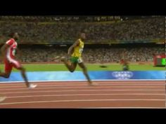 See what great running form looks like. Forefoot strike, great posture, no forward lean at the hips, foot landing underneath you, perfection. Human Animation, Animation Reference, Running Form, Running Tips, Lose Weight Running, Run Cycle, Barefoot Running, Marathon Running, Track And Field