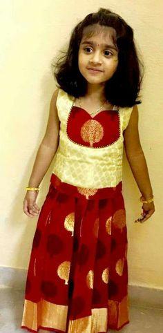 Kids Dress Wear, Kids Gown, Kids Wear, Baby Girl Party Dresses, Dresses Kids Girl, Girl Outfits, Long Frocks For Girls, Kids Blouse Designs, Kids Ethnic Wear