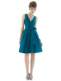 Alfred Sung Style D668 http://www.dessy.com/dresses/bridesmaid/d668/