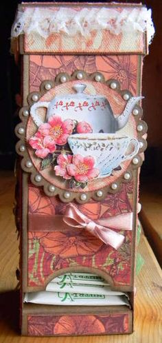 tea box...cute. Based on tutorial by Cornelia, DT for Scraparizzi