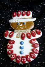 adventní sněhulák Christmas Deco, Christmas Holidays, Merry Christmas, Christmas Biscuits, Christmas Cookies, Cookie Decorating, Gingerbread Cookies, Advent Calendar, Icing