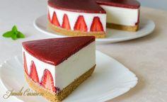 Cheesecake fara coacere reteta video no-bake Sweets Recipes, Easy Desserts, Gourmet Recipes, Cookie Recipes, Delicious Desserts, Yummy Food, Chocolate Candy Cake, Chocolate Deserts, Candy Cakes