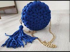 كروشيه شنطه الياسمين وخيط الكليم Crochet bag with stitch jasmine Kilim - YouTube Diy Crochet Bag, Crotchet Bags, Crochet Doily Rug, Diy Crochet Patterns, Crochet Bag Tutorials, Crochet Symbols, Crochet Videos, Crochet Gifts, Crochet Designs