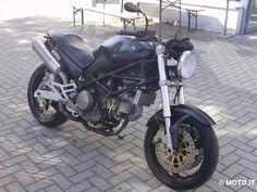 1999 Ducati Monster 750 Dark