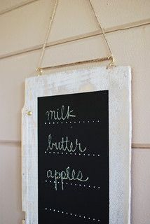 Easy DIY: Charmingly Rustic Hanging Chalkboard. How to hang it.