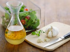 5 x salaatinkastike – ota haltuun helppojen kastikkeiden salat - Kotiliesi. Spice Mixes, Tahini, Hummus, Spices, Early Bird, Cooking, Waiting, Food, Homemade Hummus
