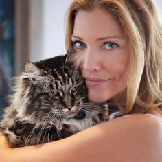 Tricia Helfer Is An Out-Of-This-World Beauty Tricia Helfer. She likes cats. She refuses to answer how many cats she has. Tricia Helfer, Celebrities With Cats, Celebs, Crazy Cat Lady, Crazy Cats, Marilyn Monroe, Tv Movie, Son Chat, Imperfection Is Beauty