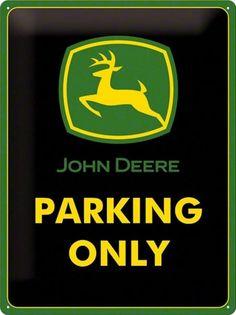 John Deere Parking Only Metalen wandbord in reliëf cm Artikelnummer: EAN 4036113231174 --- John Deere Kitchen, John Deere Merchandise, Logo Vert, John Deere Accessories, Tractor Pictures, John Deere Equipment, Nostalgic Art, John Deere Tractors, Parking