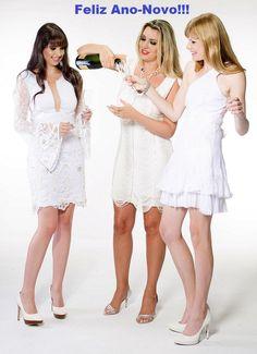 Vestidos para as comemorações de Ano Novo na Black Suit Dress! Alugue ou compre! Acesse www.blacksuitdress.com.br #vestidobranco #vestidoanonovo #vestido #vestidofesta #branco #estilo #alegria #anobom #sorte #reveillon #estilo #alugue #compre #blacksuitdress
