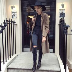 Women's Hats - Street Style 2017 Inspiration (20)