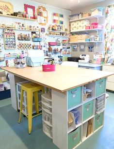 Craft Room Storage Desk, Awesome Craft Room Design and Furniture Ideas! Craft Room Storage Desk, Awesome Craft Room Design and Furniture Ideas! Sewing Room Design, Craft Room Design, Sewing Studio, Craft Room Decor, Ideas For Craft Room, Room Decorations, Wall Decor, Ideas For Spare Room, Ikea Craft Room