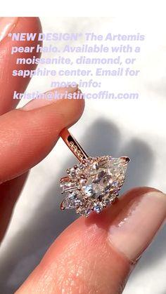 Vintage Diamond Rings, Diamond Wedding Rings, Unique Diamond Engagement Rings, Classic Engagement Rings, Engagement Ring Styles, Ring For Boyfriend, Pear Ring, Diamond Ring Settings, Pear Shaped Diamond