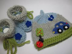 Hand knitted baby kit Eco-virgin wool knitted baby shoes