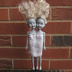 Scary Halloween DIY Decorations: Twin zombie dolls by Just Crafty Enough