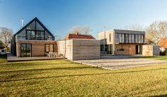 Die Ferienhäuser Bertha und Charly gehören zu einem Gebäudeensemble auf der Ostseeinsel Fehmarn. Frank und Susanne Plehn - die Betreiber eines Hamburger Arch