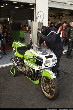 Bol D'Or fueling of a Godier & Genoud Kawa Kawasaki Cafe Racer, Kawasaki Motorcycles, Racing Motorcycles, Course Moto, Tracker Motorcycle, Custom Street Bikes, Performance Bike, Old Bikes, Moto Guzzi