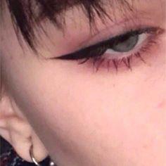 Emo Makeup, Grunge Makeup, Eye Makeup Art, No Eyeliner Makeup, Girls Makeup, Makeup Inspo, Eyeliner Ideas, Bold Eye Makeup, Anime Makeup