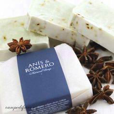 Anise and Rosemary Natural Soap Diy Beauty Care, Diy Body Butter, Soap Display, Body Soap, Soap Packaging, Home Made Soap, Natural Cosmetics, Handmade Soaps, Soap Making