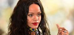 Rihanna deixa mágoa de lado e volta para o Instagram