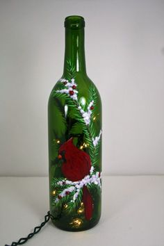 Wine bottle with lights - cute decor (Bottle Lights Centerpieces) Recycled Wine Bottles, Painted Wine Bottles, Lighted Wine Bottles, Bottle Lights, Vintage Bottles, Vintage Perfume, Decorated Bottles, Antique Bottles, Antique Glass