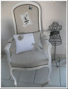 fauteuil voltaire gris pois blancs fauteuil voltaire pinterest. Black Bedroom Furniture Sets. Home Design Ideas