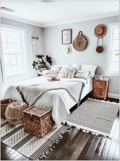 69 Best Bohemian Bedroom Ideas For Your First Apartment 21 - fancyhomedecors #bohemianbedroom#bedroom#bedroomideas Boho Chic Bedroom, Bohemian Style Bedrooms, Home Decor Bedroom, Bedroom Ideas, Boho Room, Bohemian Decor, Funky Bedroom, Bedroom Neutral, White Bohemian