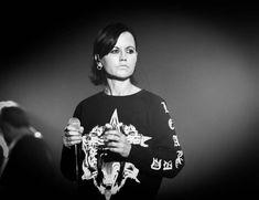 """Dolores O'Riordan ist tot: """"Zombie""""-Sängerin stirbt völlig unerwartet - Bild 1"""