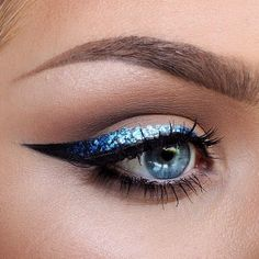 Make a statement with metallic ombre liner!