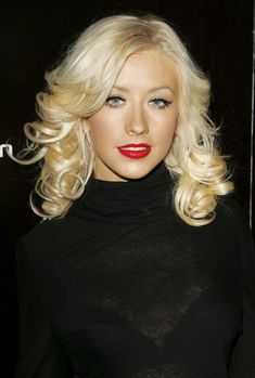 Christina Aguilera, Different Curls, Beautiful Christina, Updo, Tight Curls, Gorgeous Blonde, Long Curly Hair, Great Hair, Curled Hairstyles
