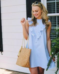 Simple Summer to Spring Outfits to Try in 2019 – Prettyinso Preppy Outfits, Preppy Style, Cute Casual Outfits, Casual Dresses, Fashion Dresses, Blue Style, Cute Dresses, Short Dresses, Summer Dresses