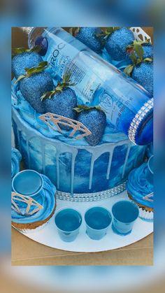Alcohol Birthday Cake, Queens Birthday Cake, 22nd Birthday Cakes, Alcohol Cake, Creative Birthday Cakes, Birthday Cake For Him, Special Birthday Cakes, Custom Birthday Cakes, Adult Birthday Cakes