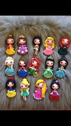 Set of princess new look clay edition 2 pendant- scrapbooking- polymer clay- princesses clay- bow embellishment