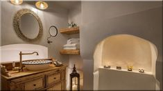mediterrán parasztház fürdőszoba, görög stílus (Luxuslakás 7) Bathroom Lighting, Sweet Home, Mirror, Furniture, Diy, Home Decor, Bathroom Light Fittings, Bathroom Vanity Lighting, Decoration Home