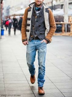 I generally don't do light color denim in cold months. I just changed my mind on that.
