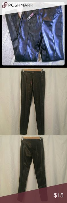 Black faux leather skinny pant size 25 Never worn black faux leather skinny pant from Just Fab. Hidden zipper on the side and near ankle. JustFab Pants Skinny