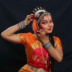 #jesuisrudrāis India Images, Dance Art, Dance Photography, Just Dance, Wonder Woman, Culture, Indian, Life, Fashion