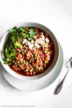 Snelle stoofpotje met tomaat en linzen voor luie dagen