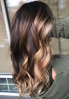 Amazing brunette balayage hair color in 2019 - hair colors - amazing . - Amazing brunette balayage hair color in 2019 – hair colors – amazing brunette hair balayage hai - Hair Color Highlights, Hair Color Balayage, Balayage Highlights, Dark Hair With Caramel Highlights, Balayage Hair Brunette Long, Fall Balayage, Blonde Ombre, Onbre Hair, Curls Hair