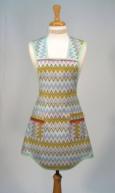 Womens Full Apron Retro Vintage Inspired by SwankyPlaceAprons, $30.00