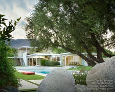 Richard Neutra - Kaufmann Desert House Chinese Architecture, Modern Architecture House, Futuristic Architecture, Architecture Design, Modern Houses, Breeze Block Wall, Richard Neutra, Modern Style Homes, Desert Homes