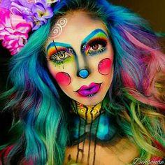 Great woman's clown makeup